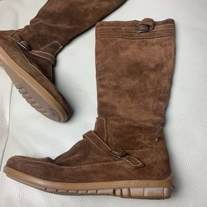 ZARA | brown suede boots